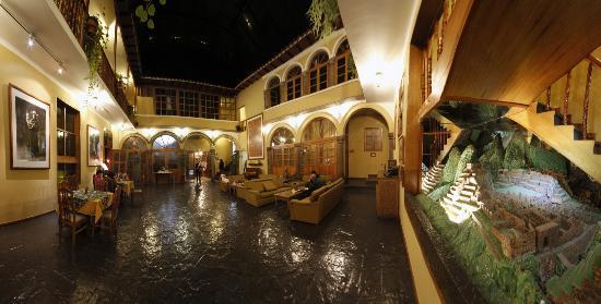 Los Andes De America Hotel: Lobby BW Los Andes de América de noche