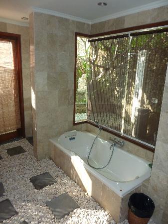 Villa Orchid Bali: Bath