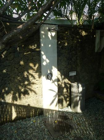 Villa Orchid Bali: Outdoor shower