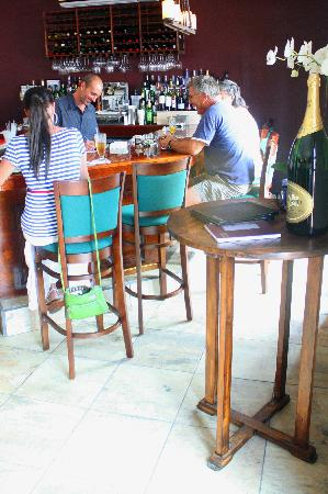The Twisted Cork Cafe : Bar