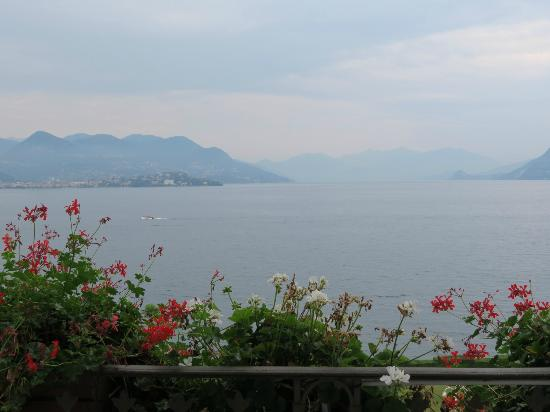 Grand Hotel Des Iles Borromees: The view from our room at Hotel Borromees