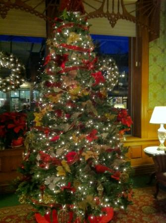 Strater Hotel: Festively decorated for the holidays