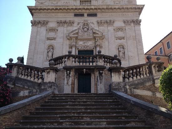 Rome with the Romans: Santi Domenico e Sisto