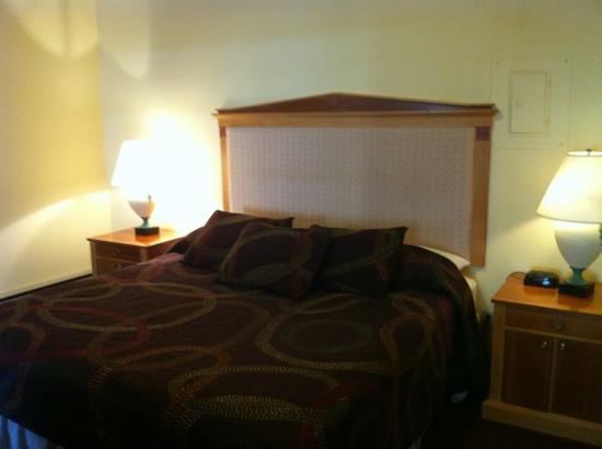 Adventure Inn: Master bedroom