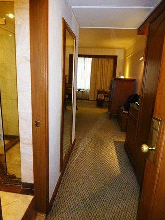 Swissotel Le Concorde Bangkok: room