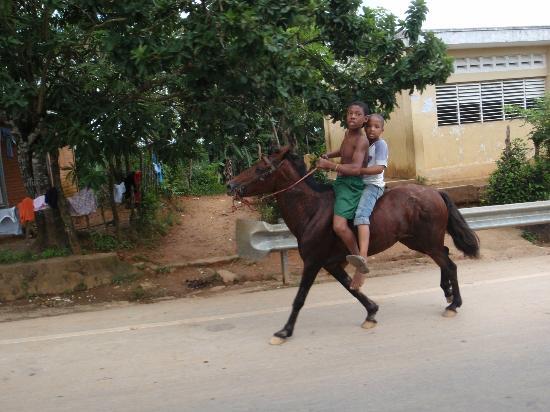 Grand Bahia Principe Cayacoa: El Limon street scene