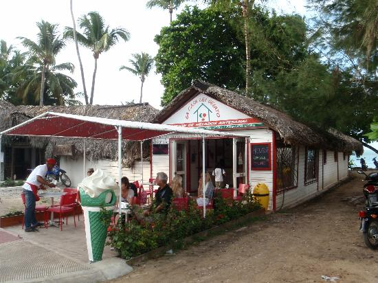 Grand Bahia Principe Cayacoa: Las Terrenas cafe (great ice cream)