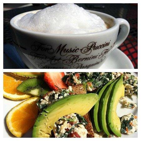 Thalia Beach Cafe: Breakfast & Latte