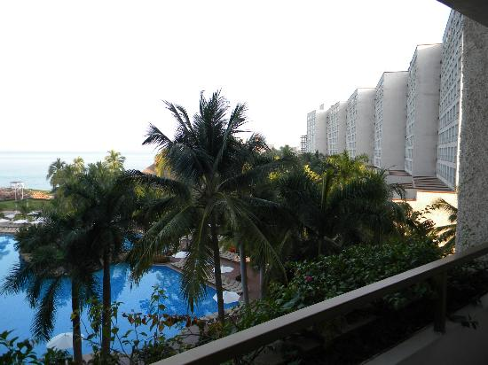 Sheraton Buganvilias Resort & Convention Center: view to the right of our room