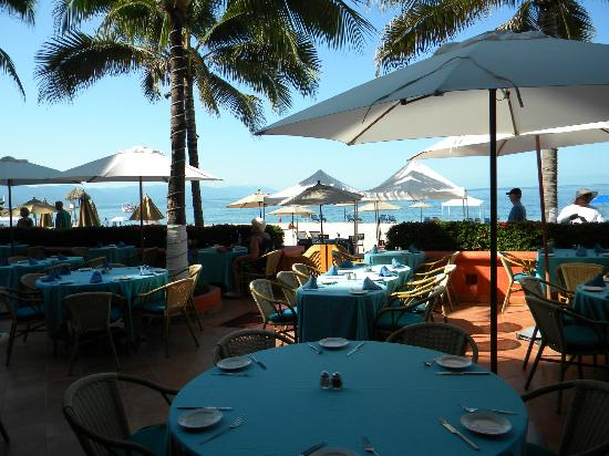Sheraton Buganvilias Resort & Convention Center: One of the great restaurants on the property near the water