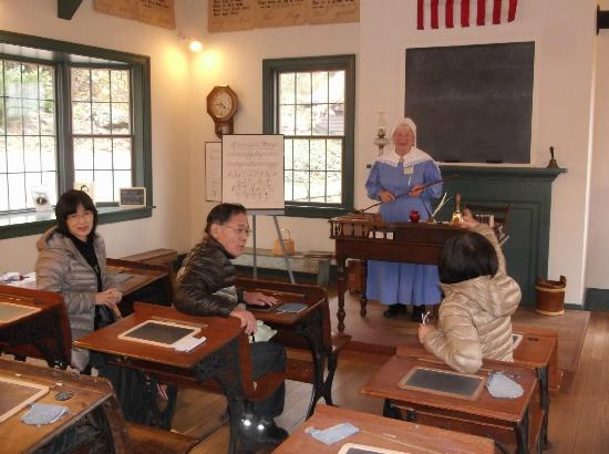 Historic Roscoe Village: One room school