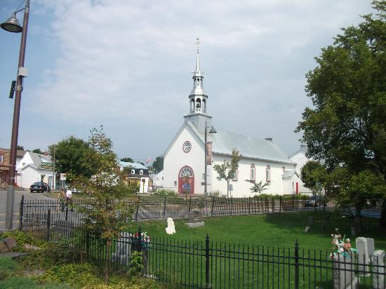 Maison du Tourisme de Wendake: L'église Notre-Dame-de-Lorette