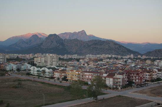 Crowne Plaza Hotel Antalya: Vue agréable sur la maontagne