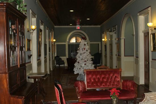 Ant Street Inn: Upstairs hallway
