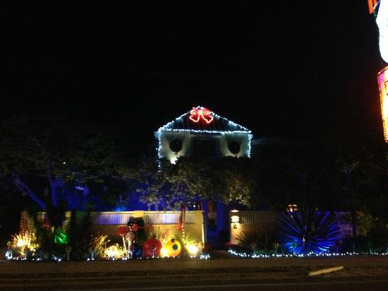Atlantis House: Decorated for the holidays!