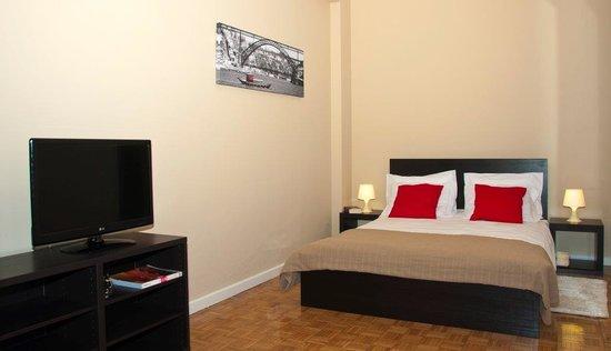 Low Cost Tourist Apartments - Casa da Musica: getlstd_property_photo
