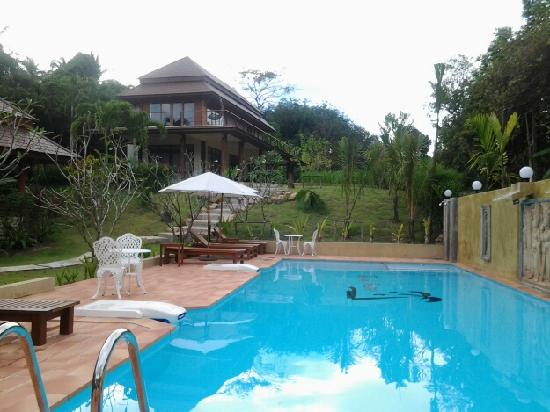 Baan Taranya Resort: the pool