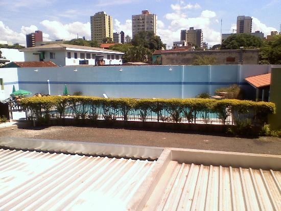 Hotel Real: vista de la pileta desde la habitacion