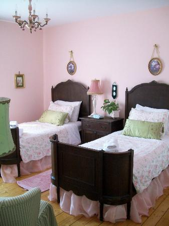 Le Plumard: the pink room