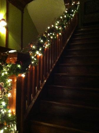 Le Plumard: The stairs leading to the dining room