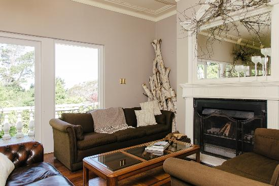 Edgelinks Country House: Relax by the Fire - Guest Living Room