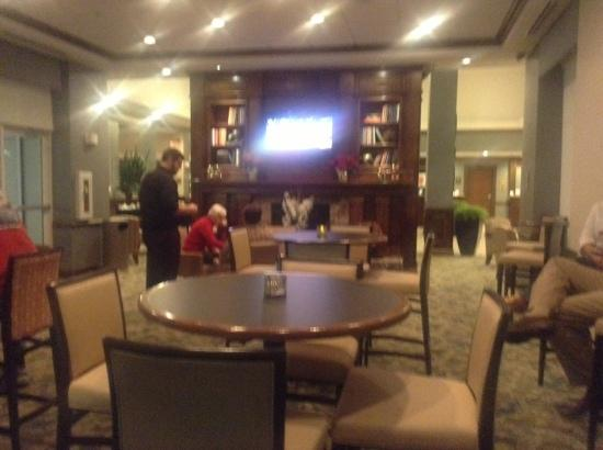 Hilton Garden Inn Valdosta: restaurant (in the lounge)