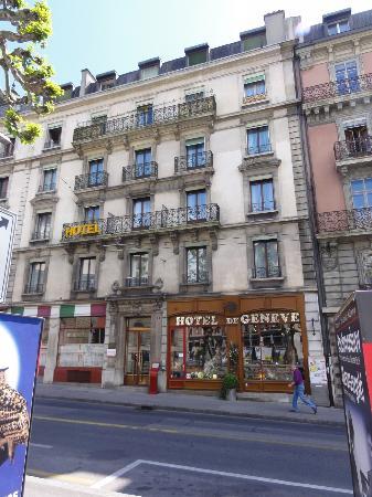 Hotel de Geneve: foto desde la plaza Isaac Mercier