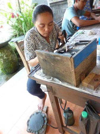 Sari Dewi: fabrication