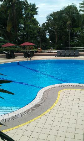 Costa Sands Resort (Sentosa) : Pool