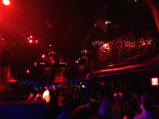 LAX the Nightclub : Nice decor, but very dark.