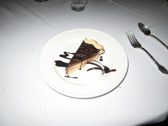 Alta's Rustler Lodge: Peanut Butter Chocolate Pie