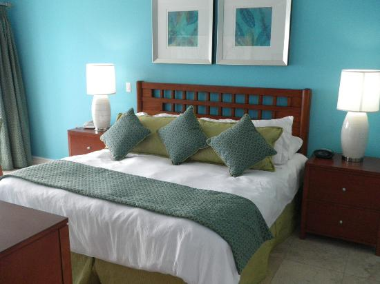 Oyster Bay Beach Resort: Updates bedrooms