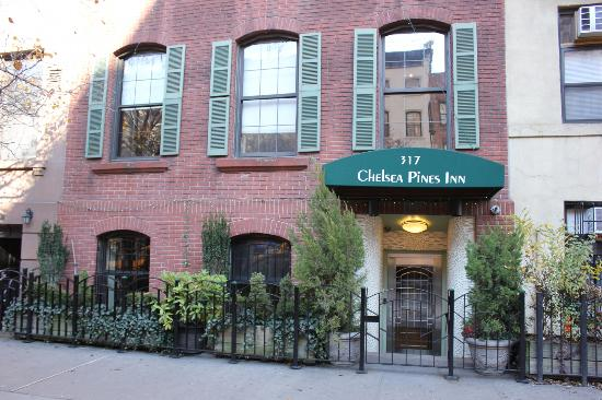 Chelsea Pines Inn: Welcome home:)