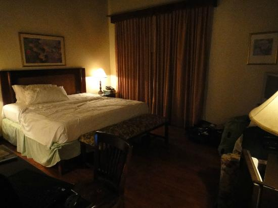 Alhambra Inn: dark and musty