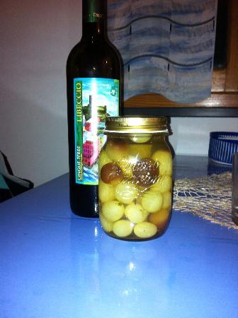 La Scogliera: Grappa Grapes