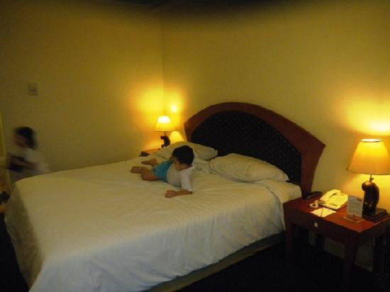 Ibis Surabaya Rajawali: the Bed