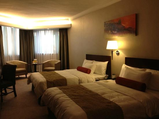 Prince (Marco Polo Hotels): spacious room