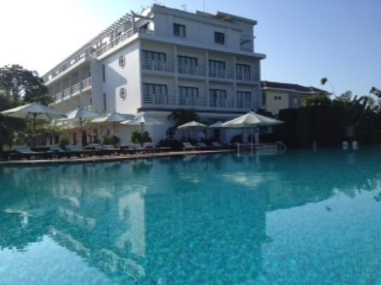 La Residence Hue Hotel & Spa : Pool area