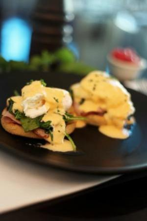 Airstream Cafe: Airstream Eggs