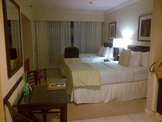Resort at Longboat Key Club: bedroom
