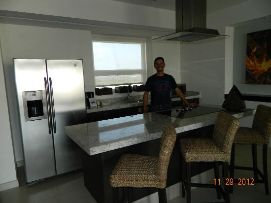 Marival Residences Luxury Resort: kitchen.
