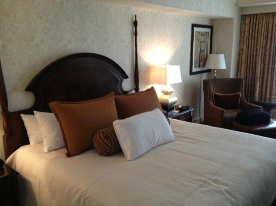 Omni San Francisco Hotel: Comfortable Bed