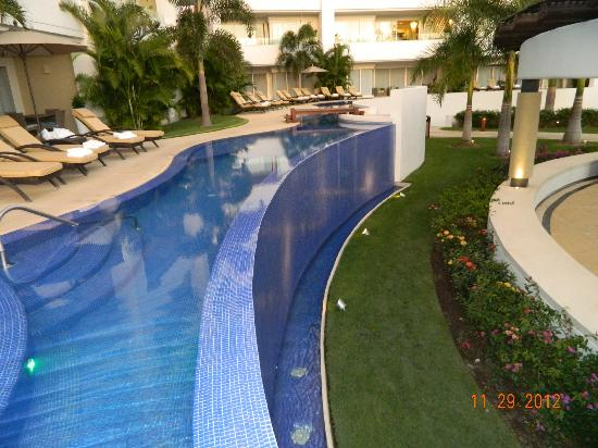 Marival Residences Luxury Resort: Another pool.