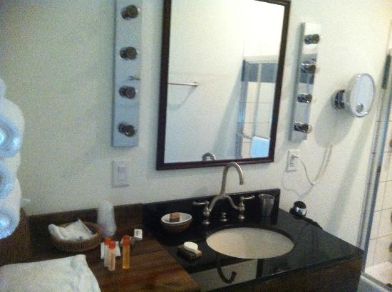 Wedmore Place: Bathroom