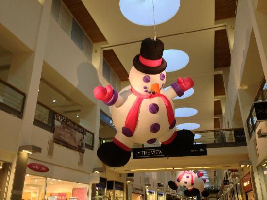 Ocean Terminal: Flying snowman