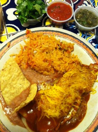 Rosa's Cafe and Tortilla Factory : Cheese enchilada plate