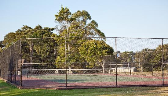 Solothurn Rural Resort: Tennis Court