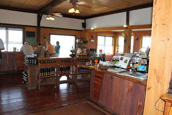Atwater Estate Vineyards: The Tasting Room