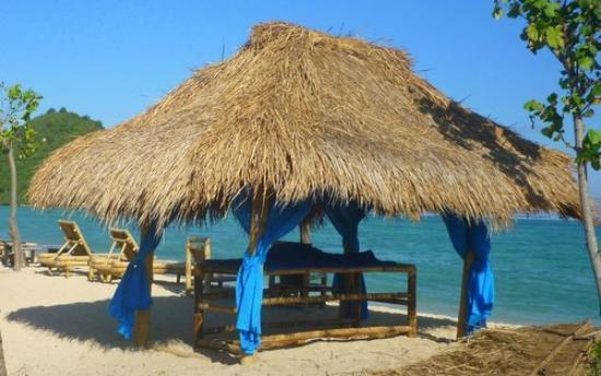Solah Beach Bar and Restaurant : massage