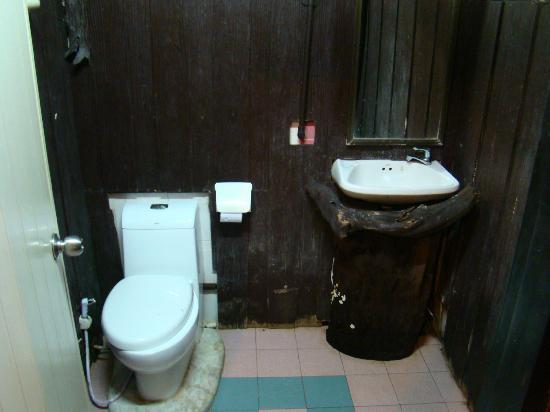 Khao Sok Tree House Resort: Bathroom